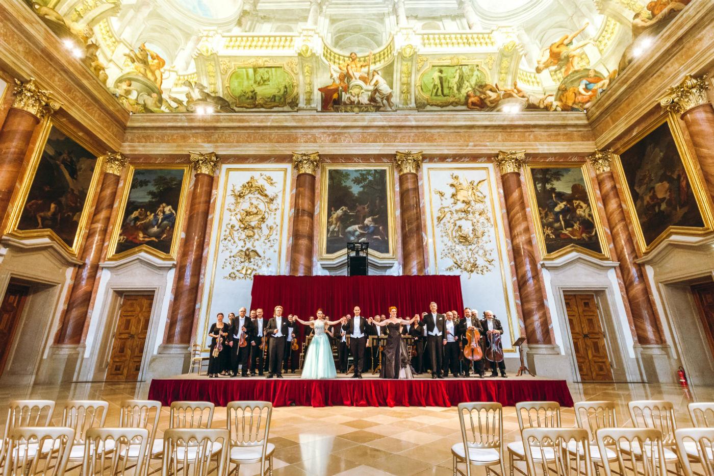 Wiener Hofburg-Orchester beim Neujahrskonzerte im Herkulessaal des Palais Liechtenstein