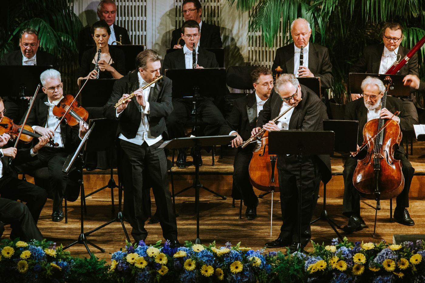 Wiener Hofburg-Orchester bei einem klassischen Konzert im Konzerthaus Wien mit Solist Claudi Arimany
